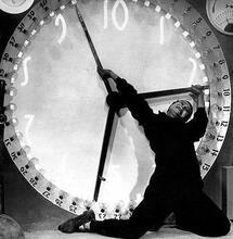 ¿Cómo funciona el reloj interno?