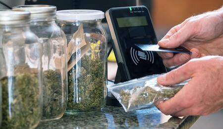 Cashback e cannabis legale: un'accoppiata inedita